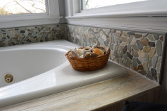 Tub-view-with-pebbles